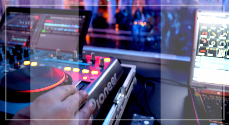 dj para fiestas a tu servicio en todo tipo de fiestas y eventos en Galicia