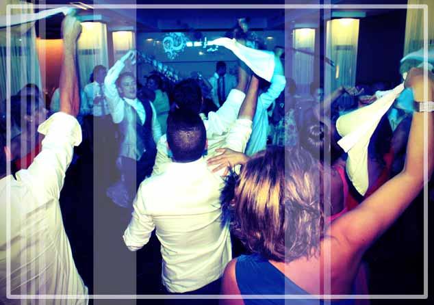 musica en bodas para amenizar el baile que el público espera de los djs para bodas