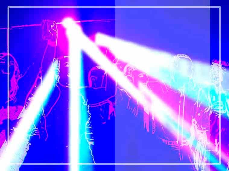 Los dj para fiestas privadas de Gallaecia discomovil adaptan la iluminación y musica al ánimo del público presente en la pista de baile
